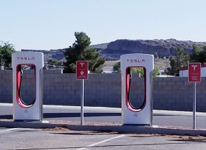 alternative-energy-vehicles-electric-vehicles-such-as-tesla-need-electric-charging-stations-while_t20_eVvjXL-300x219.jpg