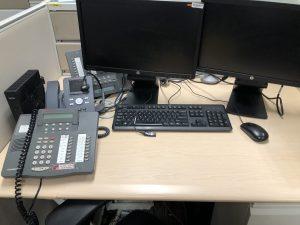 office-desk-double-screen-avaya-hardphone-wyse-headset-keyboard-and-mouse-shutdown-office-computer_t20_P1pmpR-300x225.jpg